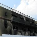 燃え跡が残る事件直後のスタジオ