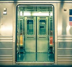 地下鉄止めまくった迷惑男逮捕、3か月で700回以上