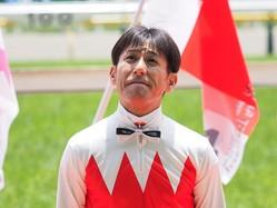 四位洋文騎手引退式が行われる「1日も早く本来の競馬場の姿に」