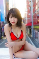 「週刊ヤングジャンプ No.16」巻末グラビア・アザーカットより/(C)集英社