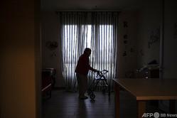 イタリア北部パビア近郊の老人ホームで暮らす人(2020年11月3日撮影、資料写真)。(c)Marco Bertorello / AFP