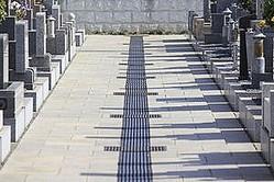 日本には各地に戦死者を埋葬した墓地がある。なかには、日本兵と共に外国人兵士も並んで埋葬されている場合もあるという。中国の動画サイトはこのほど、大阪にある真田山陸軍墓地を紹介する動画を配信した。ここに清国の捕虜が埋葬されていると伝えている。(イメージ写真提供:123RF)