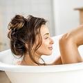 新陳代謝向上や保湿の効果も…お風呂+バスソルトが最強な理由