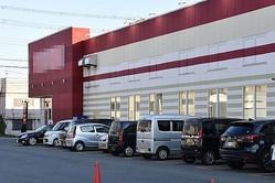 緊急事態宣言が解除された地方ではさっそくパチンコ店が営業再開(時事通信フォト)