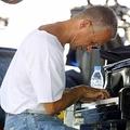 仏音楽祭「ジャズ・ジュアン」で演奏するキース・ジャレット氏(2003年7月18日撮影、資料写真)。(c)JACQUES MUNCH / AFP