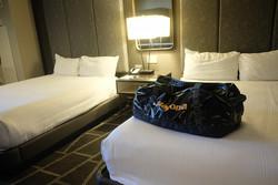 パタゴニアの90Lバッグが、旅行の相棒。スーツケースとバックパックのいいとこ取りなんだ|マイ定番スタイル