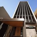 中洲川端駅から徒歩7分、冷泉公園そばに建つ地上13階建てのホテル