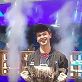 eスポーツの大会で優勝した16歳の少年 賞金約3億2570万円を獲得