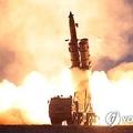 北朝鮮の朝鮮中央通信が先月31日に報じた超大型放射砲の発射実験=(朝鮮中央通信=聯合ニュース)≪転載・転用禁止≫