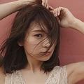 秋元真夏の2nd写真集先行カット第3弾 胸元のぞくシースルー衣装