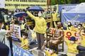 保守系の「撤去」と革新系の「死守」ソウルの慰安婦像前で連日にらみ合い