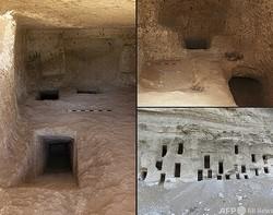 エジプト南部ソハグ県で見つかった約4200年前の墓、約250基の一部。観光・考古省提供(2021年5月11日提供)。(c)AFP PHOTO / HO / EGYPTIAN MINISTRY OF ANTIQUITIES
