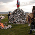 儀式を行うロシア・トゥワ共和国のシャーマンたち(2010年8月20日撮影、資料写真)。(c)VALERY TITIEVSKY / AFP