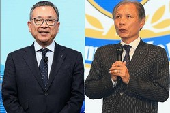 村井満チェアマン(左)と、原博実副理事長(右)。写真:金子拓弥(サッカーダイジェスト写真部)