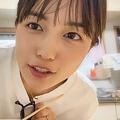 川口春奈がYouTubeに帰省動画を公開 料理をしたり、赤ちゃんをあやしたり