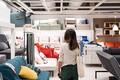 2020年冬の賞与を増額した企業が最も多かった業種は「家具類小売」でした(Kittiphan/stock.adobe.com)