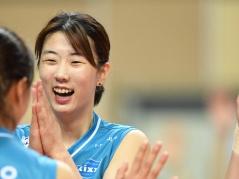 """""""美人エース""""所属チームのチケットが即完売、韓国女子バレー人気が最高潮のワケ"""