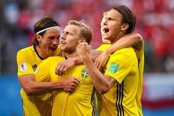 スウェーデン、スイスを下し24年ぶりに8強入り! 10番フォルスベリが決勝点