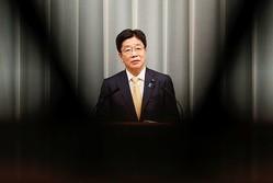 大阪府と東京都の緊急事態宣言、要請あれば速やかに検討=官房長官