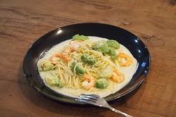簡単10分!カフェメニューパスタ「エビとアボカドのクリームスパゲティ」