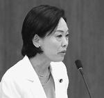 (写真)質問する畑野君枝議員=11日、衆院文科委