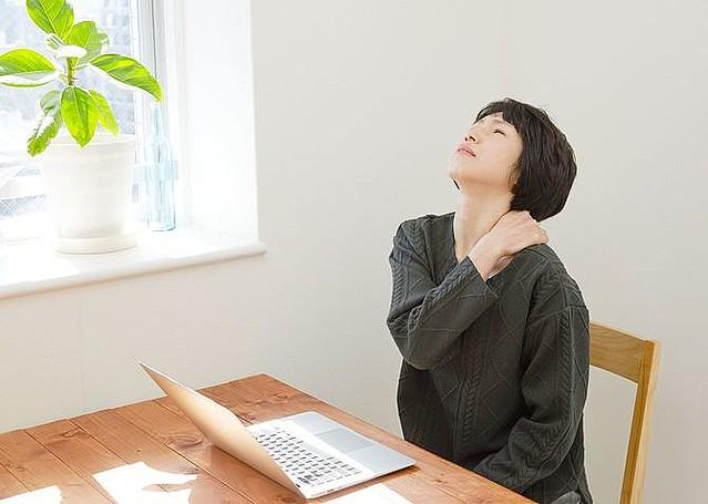 なぜ、男に腰痛が多く、女に肩こりが多いのか