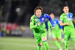 今季Jリーグのオープニングゲームとなった浦和戦で先制弾。石原は幸先のいいスタートを切った。写真:サッカーダイジェスト