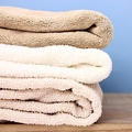 バスタオルの洗濯頻度に個人差「月2回くらいでいい」という人も