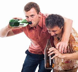 """世界一の""""酔っぱらい大国""""判明、36か国調査で"""