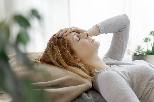 [画像] もっと早く知りたかった…! 「頭痛を和らげる」簡単な方法 #104