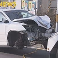 車が電柱に衝突 消えた運転手