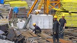 ウラジオストクの北朝鮮派遣労働者(資料写真)