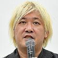 津田氏が展覧会の主催者を口説き落とした