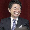 日本維新の会の全体会議で笑顔を見せる石原慎太郎氏(右)と橋下徹氏=2012年、大阪市(写真=時事通信フォト)