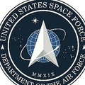 米宇宙軍のロゴ(左)と同軍の前身に当たる空軍宇宙コマンドのロゴ(右、米空軍提供。2020年1月24日作成)。(c)AFP PHOTO / US AIR FORCE