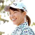 プロアマ戦で笑顔を見せる渋野日向子