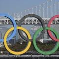 今年、東京五輪を開催できると考える人たちの根拠とは(写真/AFP=時事)