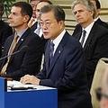 懇談会で発言する文大統領=28日、ソウル(聯合ニュース)