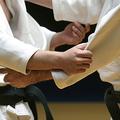 柔道部員を乱取りで骨折させた高校教師が停職 学校への報告も怠る