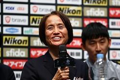 開幕会見に臨んだ高倉監督。強化の意味で重要な3試合に向けて意気込みを語った。写真:茂木あきら(サッカーダイジェスト写真部)