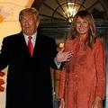 10月25日、ホワイトハウスのハロウィン・イベントに姿を見せたドナルド・トランプ米大統領(左)とメラニア婦人