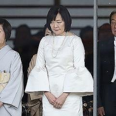昭恵夫人の服装