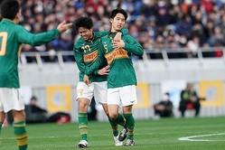 決勝ゴールを挙げた中谷。写真:山崎賢人(サッカーダイジェスト写真部)