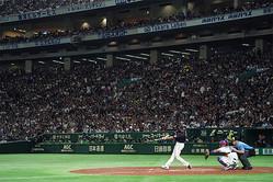 東京ドームでは連日、「侍ジャパン」とMLBオールスターチームの熱戦が広げられている【写真:Getty Images】