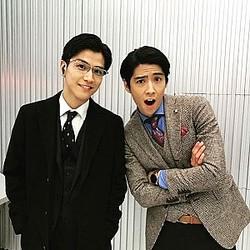 岩田剛典と賀来賢人(画像は『賀来賢人 2019年3月14日付Instagram「岩田くんと。同い年。」』のスクリーンショット)