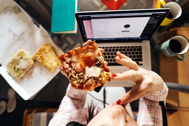生理 中 食欲 止まら ない 生理中の食欲が異常に増す原因は?抑える方法と体重増加を防ぐ食べ方