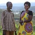 ルワンダ大虐殺で娘を失うも「男たちを許す」犯人を見つめ笑顔