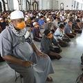 感染対策が裏目に出るインドネシア政府 市民の間では「神頼み」が広がる