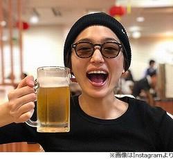 川口春奈、ビールジョッキ片手に「最高だね」