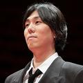 映画『天気の子』で、音楽賞を手にしたRADWIMPS・野田洋次郎